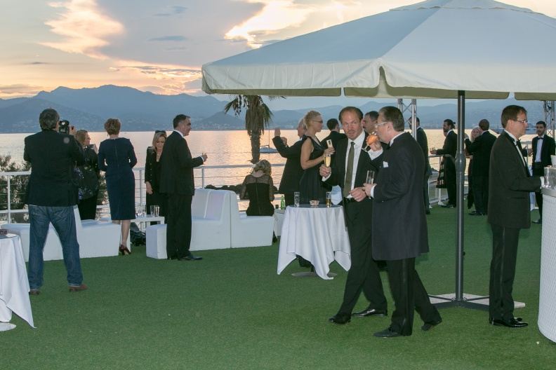 141002-0032-cannes-corporate.jpg